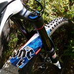 Manta-patriote-on-bike