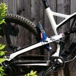 Manta-patriote-on-bike-back-aside